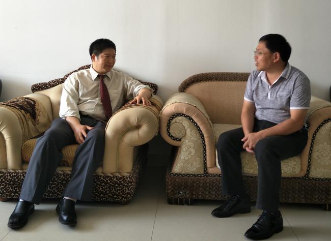 县总工会主席江军会见美籍华人姚杰博士