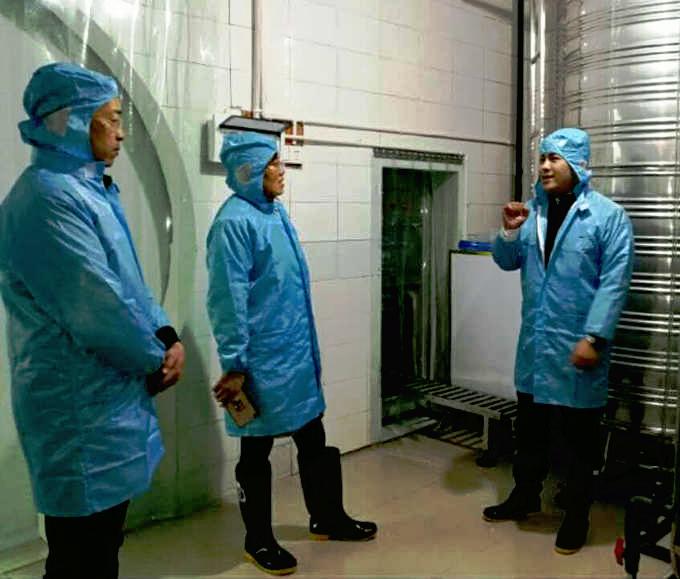 乐至县侨务部门参观考察乐至县伊甸饮用水有限责任公司