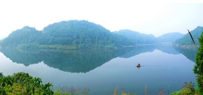 美丽的蟠龙湖